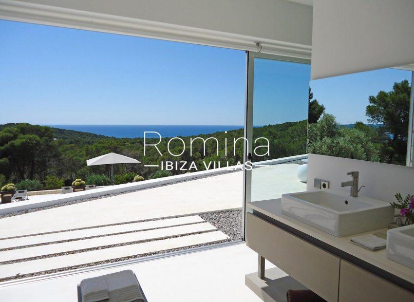 [:es]8_sea_views_from_bedroom_bathroom[:en]8_sea_views_from_bedroom_bathroom[:fr]8_sea_views_from_bedroom_bathroom[:it]8_sea_views_from_bedroom_bathroom[:]