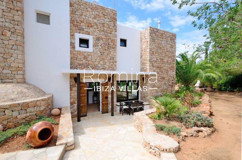 Casa villa con 4 habitaci nes en santa eulalia del r o for Ciudad jardin ibiza