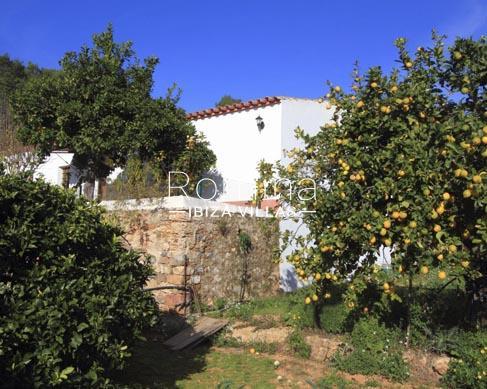 Finca jardin destacada romina ibiza villas for Finca villa jardin piedecuesta