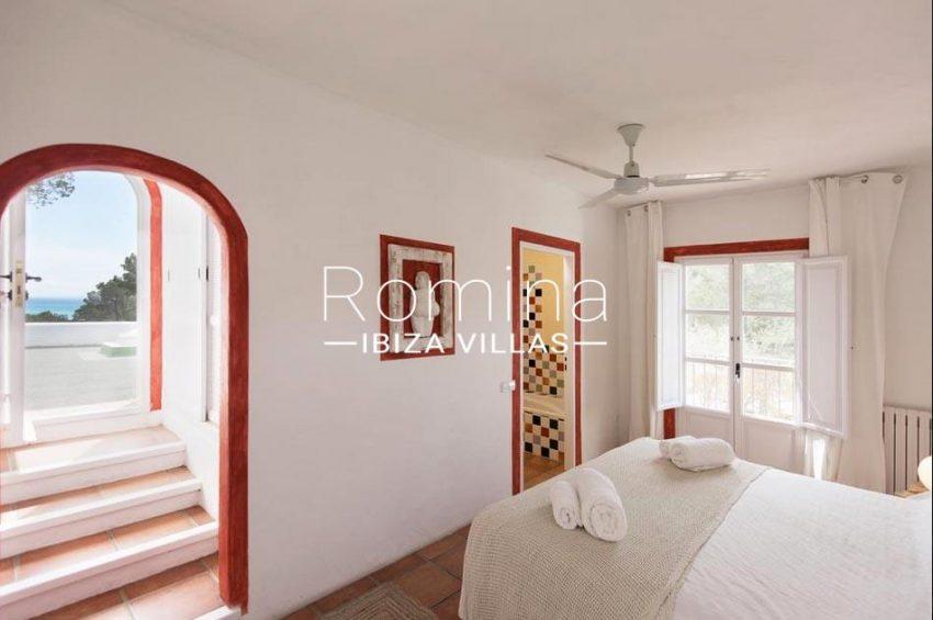 ES TROS4bedroom white