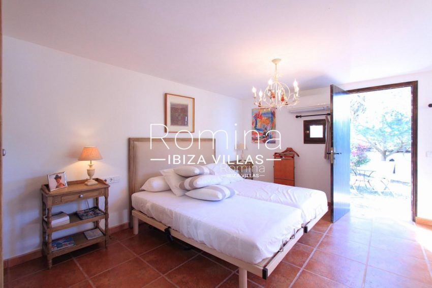 PROPERTY IBIZA VILLA ARCObedroom6garden access