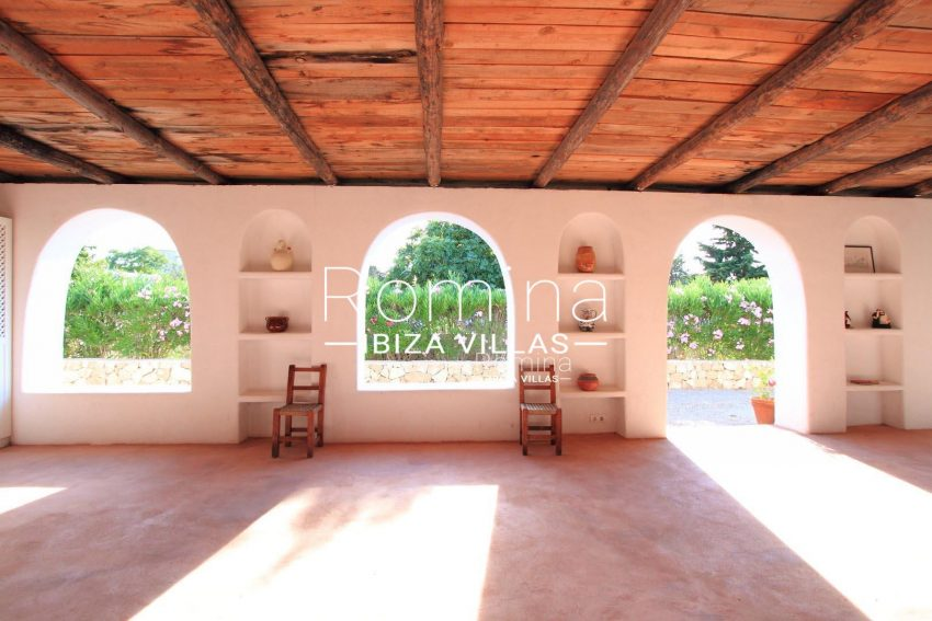 PROPERTY IBIZA VILLA ARCOcoverded play room arches