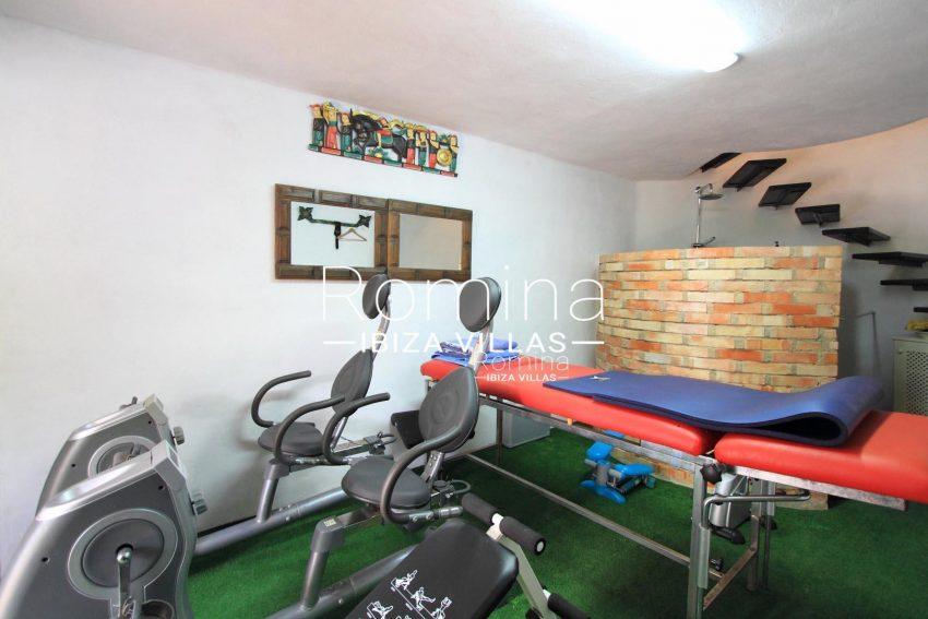 PROPERTY IBIZA VILLA ARCOgym room