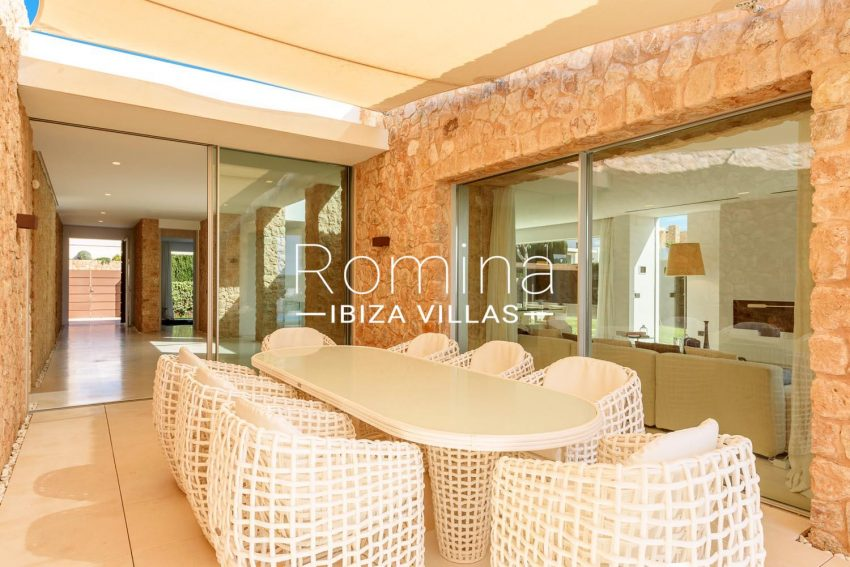 VILLA MODERNA2terrace dining area2