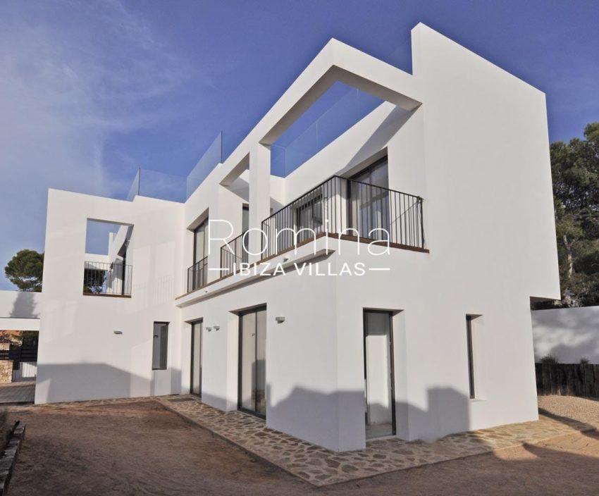 villa real-2side facade