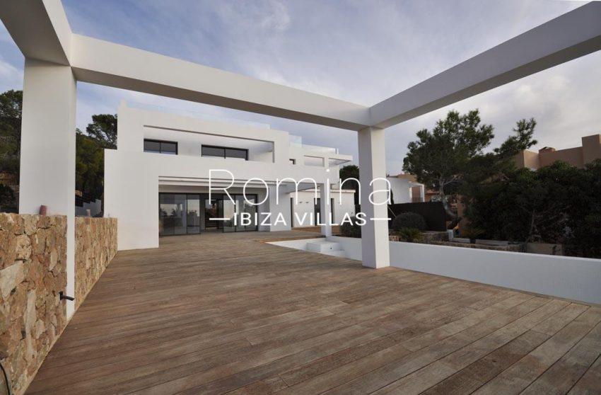 villa real-2terrace facade