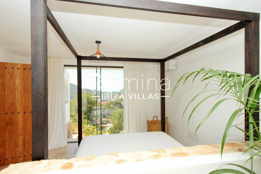 CASA COLINA4bedroom1 vue