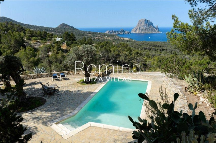 pool view Vedra
