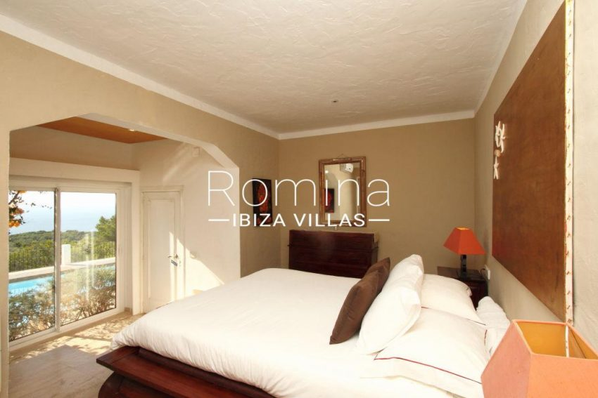 solyluna ibiza-bedroom poola 020