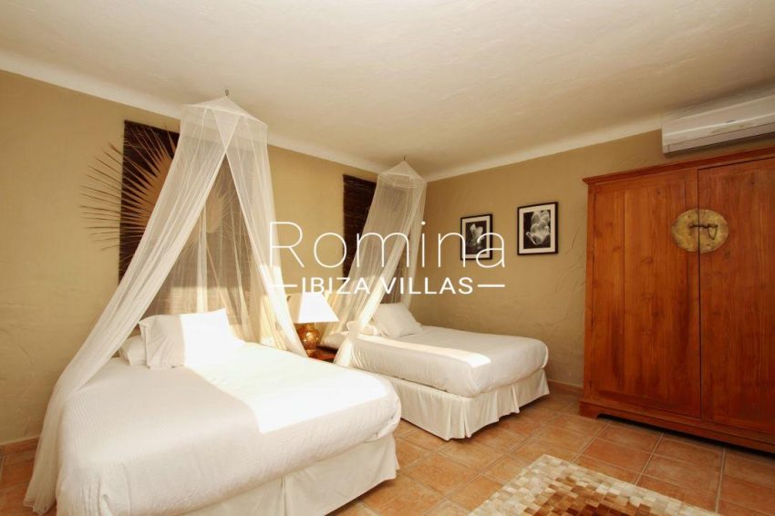 solyluna ibiza-bedroom twin 028
