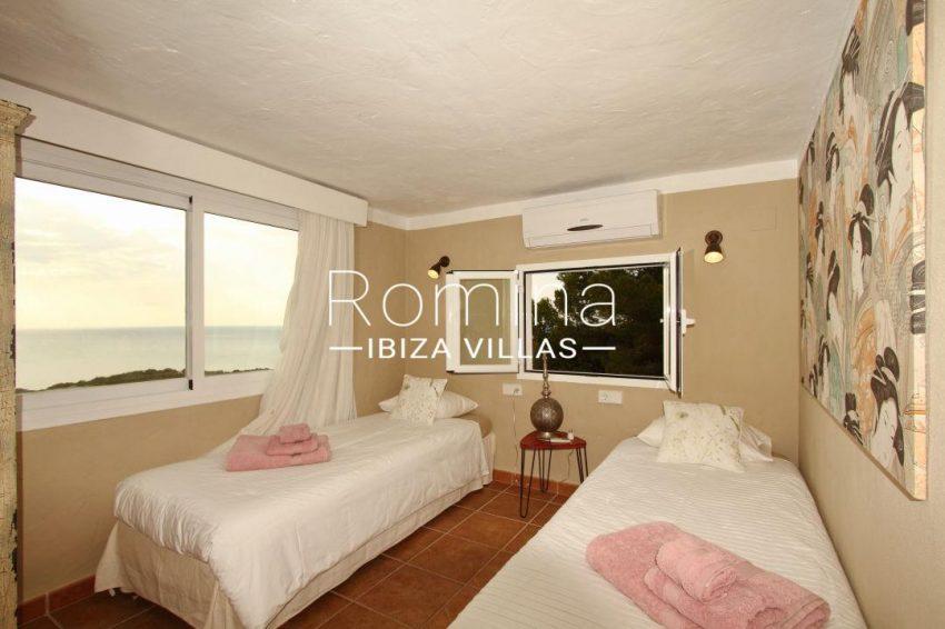 solyluna ibiza-bedroom twin sea view 033