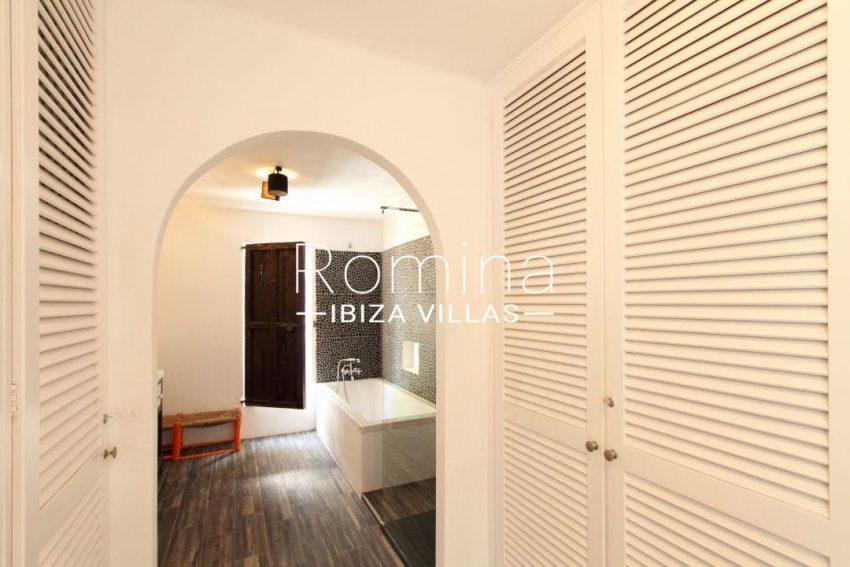 solyluna ibiza-dressing room bathroom 018
