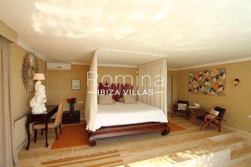 solyluna ibiza-master bedroom 016
