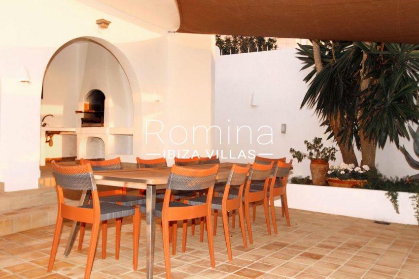 solyluna ibiza-outdoor dining area 039