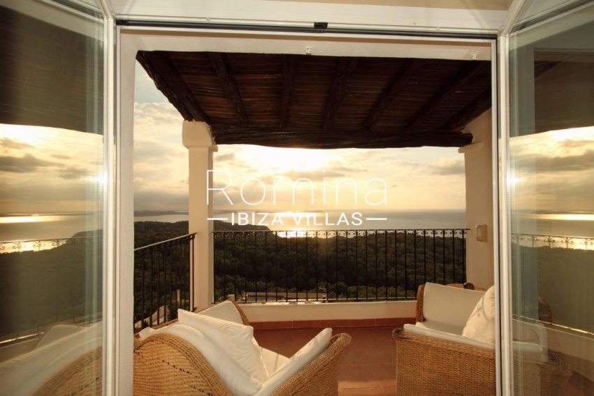 solyluna ibiza-terrace sunset 030