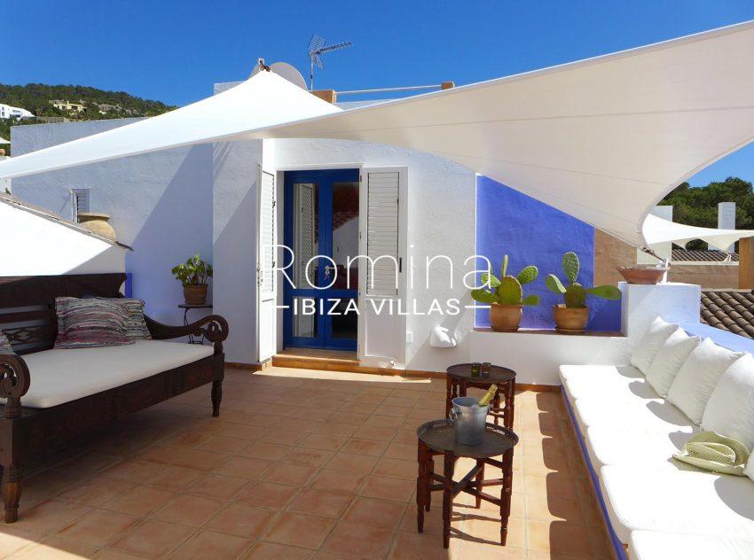 Calo azur ibiza - 2upper terrace lounge
