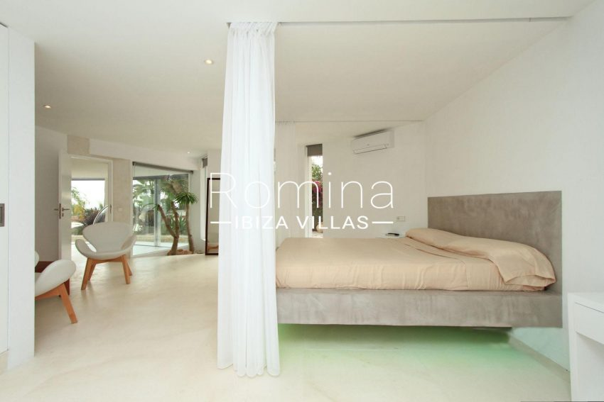 VILLA HEAVEN FIESTA4bedroom downstairs2