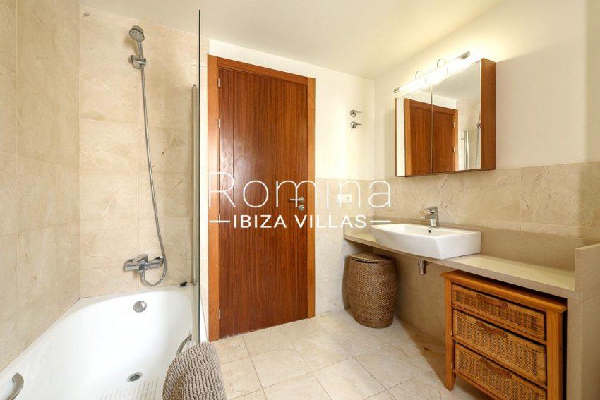 adosado pueblo ibiza - 5bathroom
