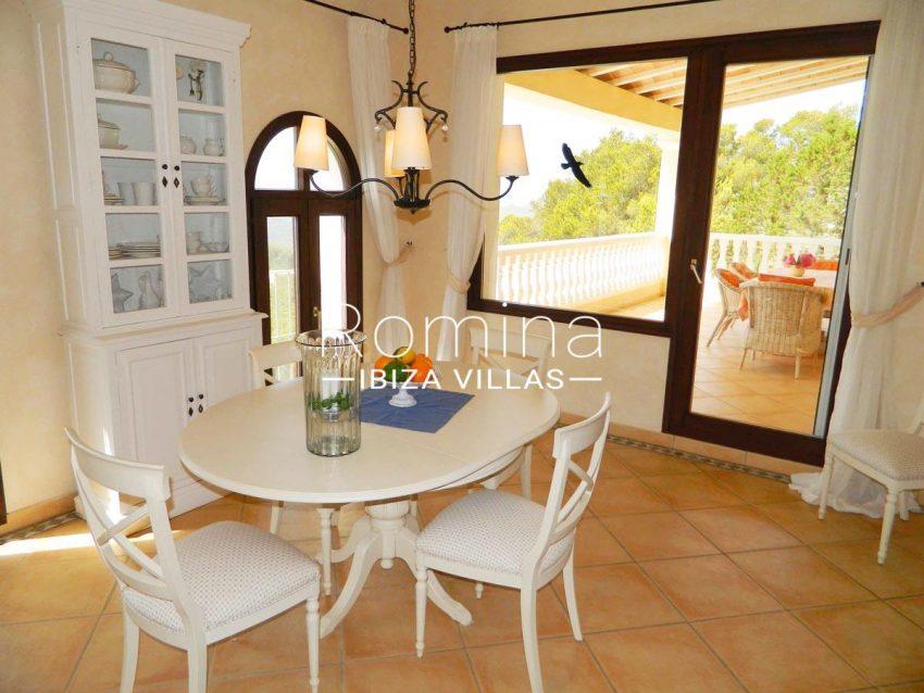 casa puig mar-3zdining room