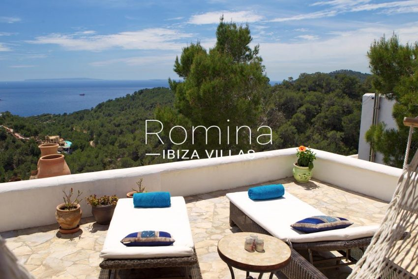 casa roca llisa g ibiza-1terrace deck chairs sea view2