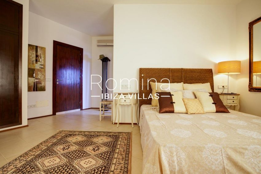 casa roca llisa g ibiza-4bedroom1