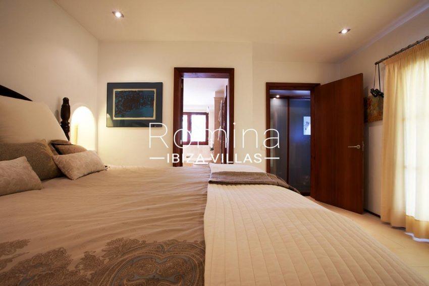 casa roca llisa g ibiza-4bedroom2