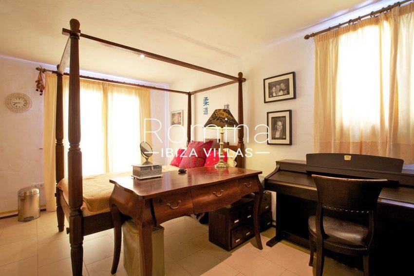 casa roca llisa g ibiza-4bedroom3