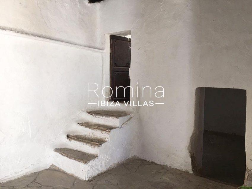 finca antigua ibiza-3sala stairs2