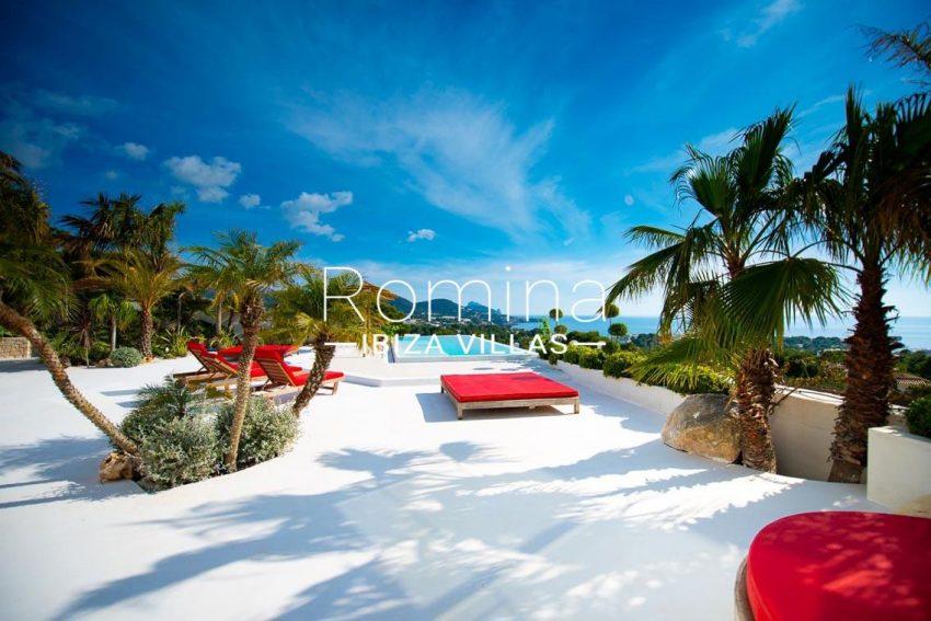 villa heaven fiesta-1pool terrace view1