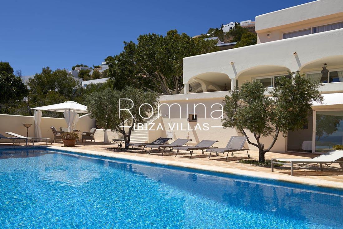 Villa roca llisa ibiza 2pool facade romina ibiza villas - Roca llisa ibiza ...