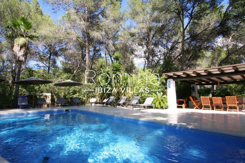 villa rustica ibiza-2pool terrace