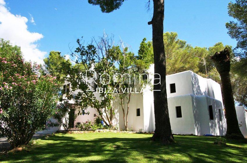 villa rustica ibiza-2rear facade
