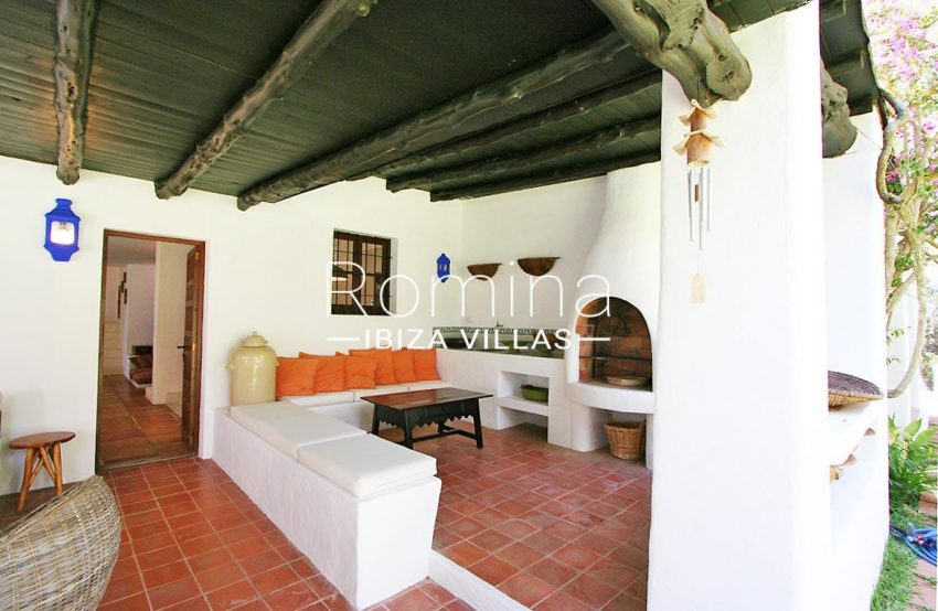 villa rustica ibiza-2terrace barbecue
