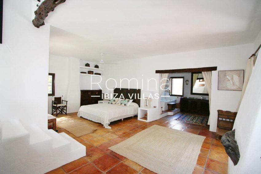 villa rustica ibiza-4bedroom master