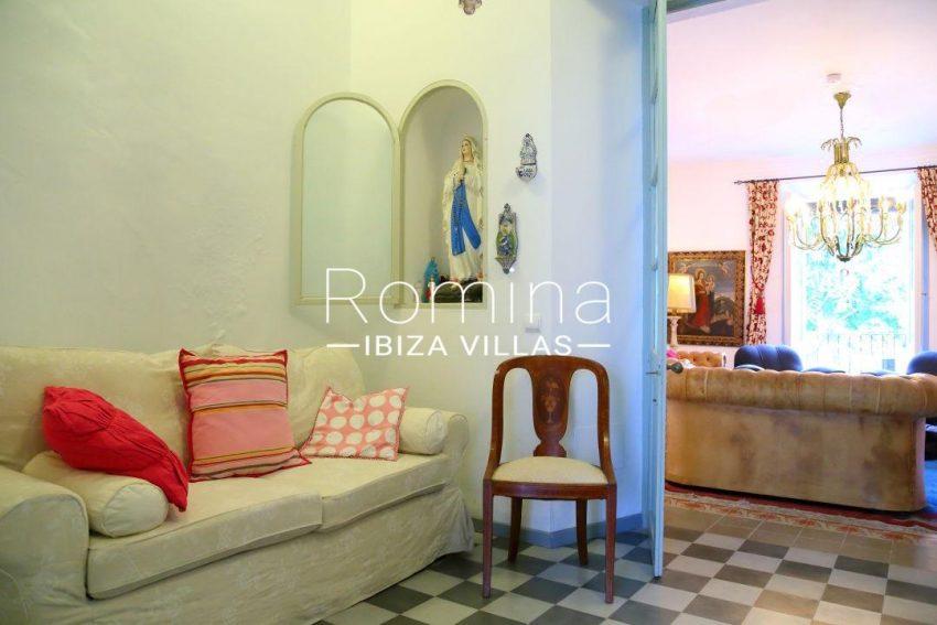 apartamento mercat vell-3interior sofa9