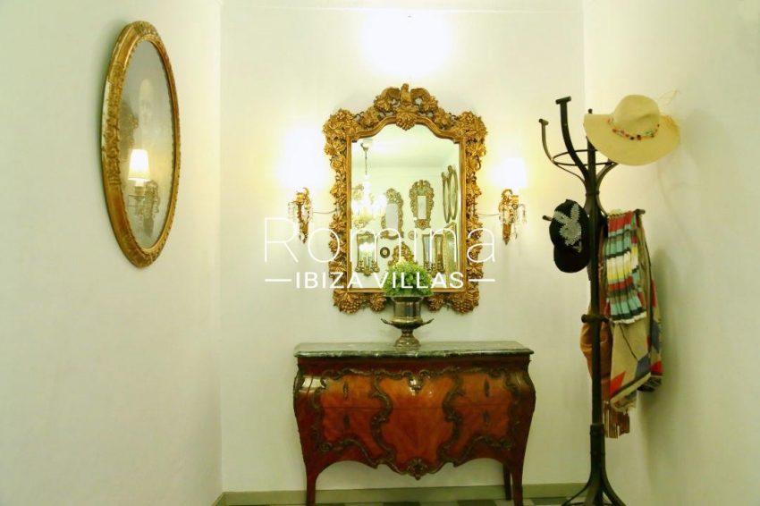 apartamento mercat vell-3vestibule15