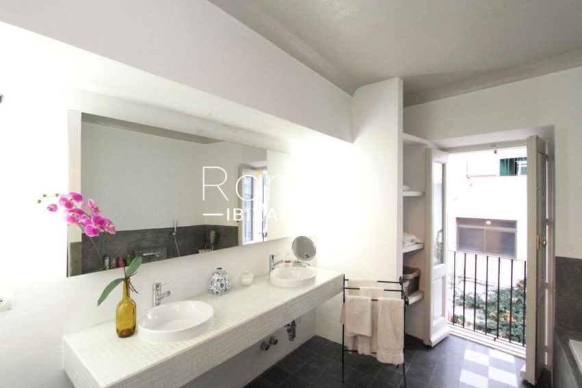 apartamento mercat vell-5bathroom12