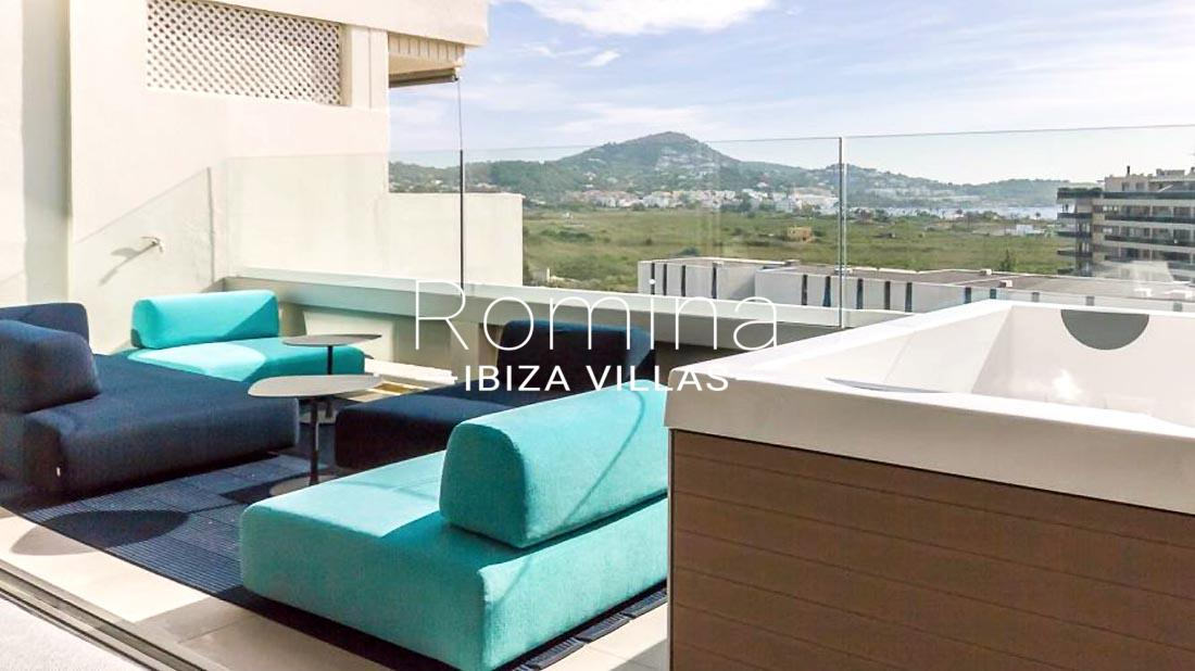 Atico moderno 1sea view terrace jacuzzi romina ibiza villas for Terrace jacuzzi