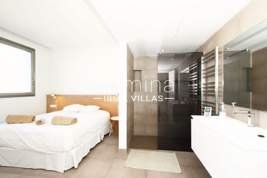 atico moderno-4bedroom with shower room14