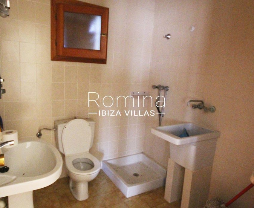 casa campina-5shower room2