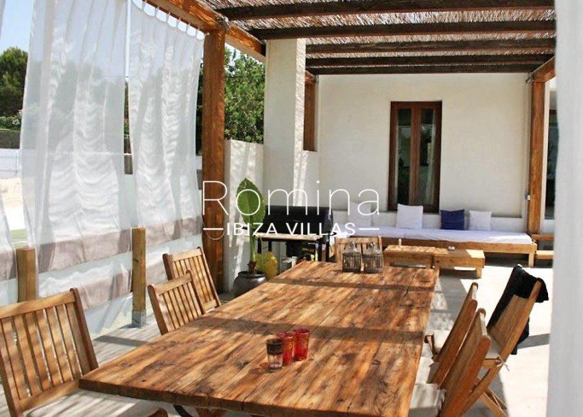 villa jesus a-2pergola terrace dining area