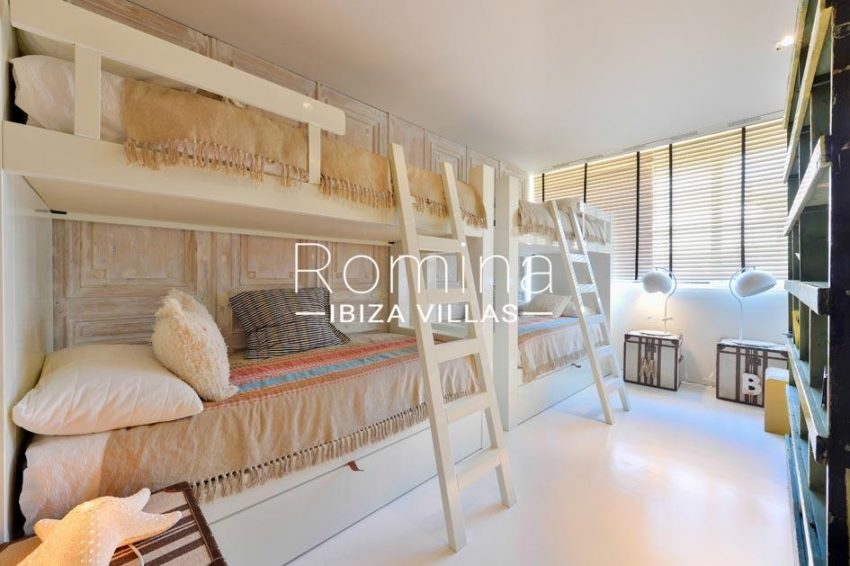 apartamento es pouet-4bedroom bunk beds