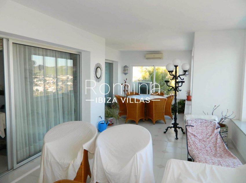 apartamento vistas mar andy-2veranda terrace living dining area2
