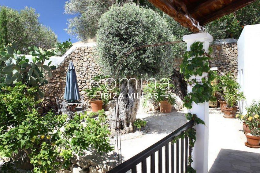 cas agusti ibiza-2terrace garden