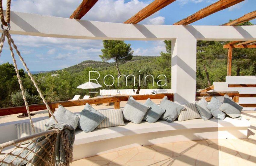 villa corazon-1sea view pergola terrace banquettes