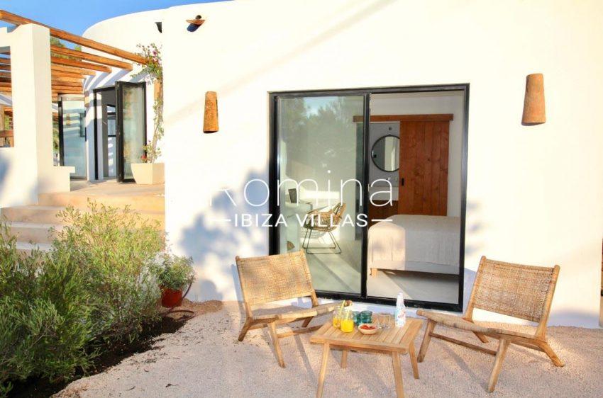 villa corazon-2terrace bedroom sitting area