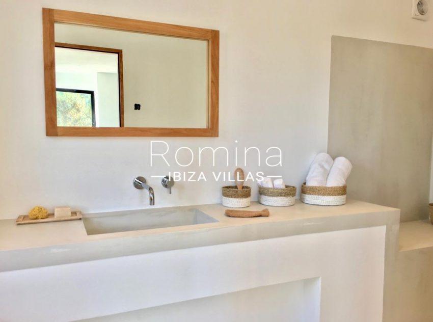 villa corazon-5bathroom washbasin
