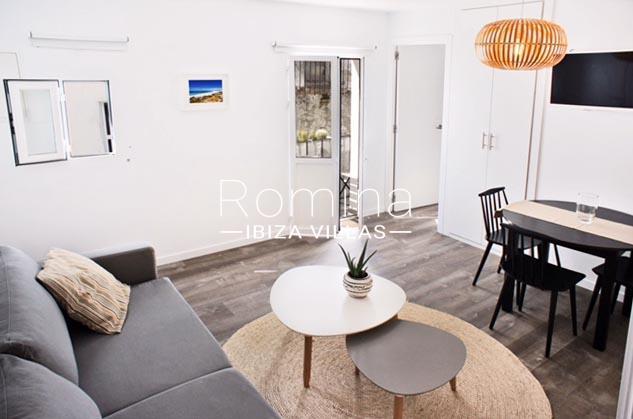 apartamento puerto-living room balcony