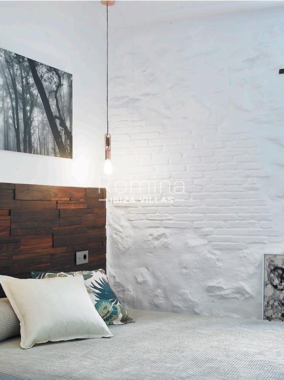 casa marina-4bedroom lamp