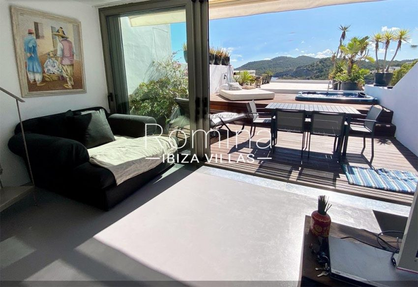 duplex jardin-3living room terrace view